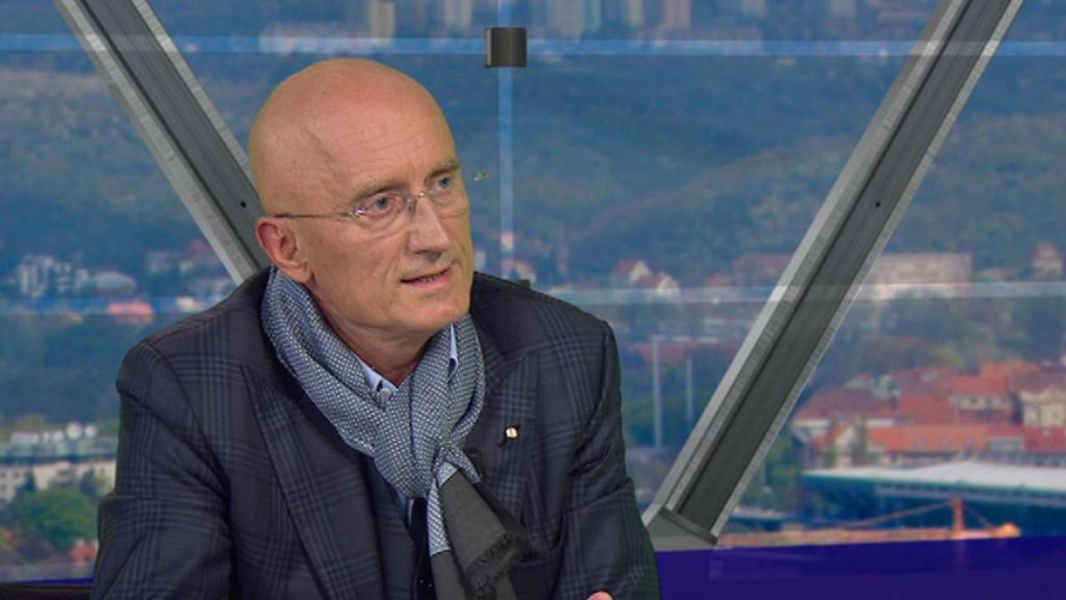 Senátor a majitel holdingu Synot Ivo Valenta v Otázkách Václava Moravce