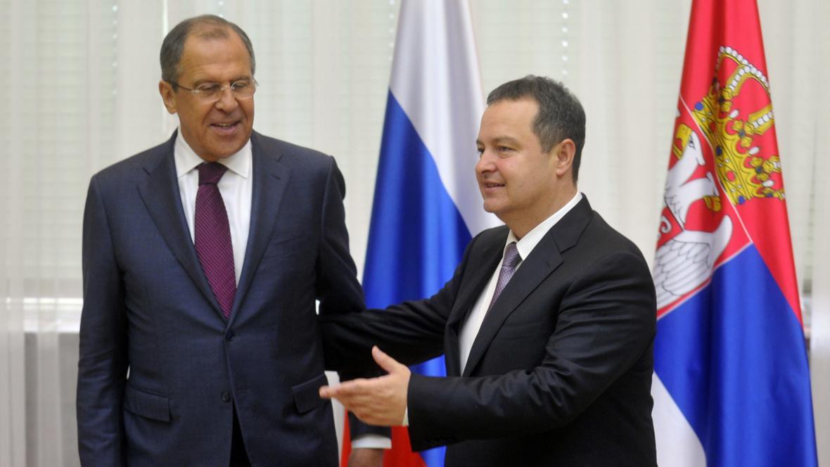 Ruský ministr zahraničí Sergej Lavrov a jeho srbský protějšek Ivica Dačić