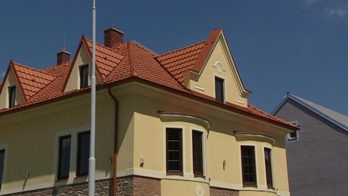 Dům v Hostivici, který Rath spoluvlastní s přítelkyní Renatou
