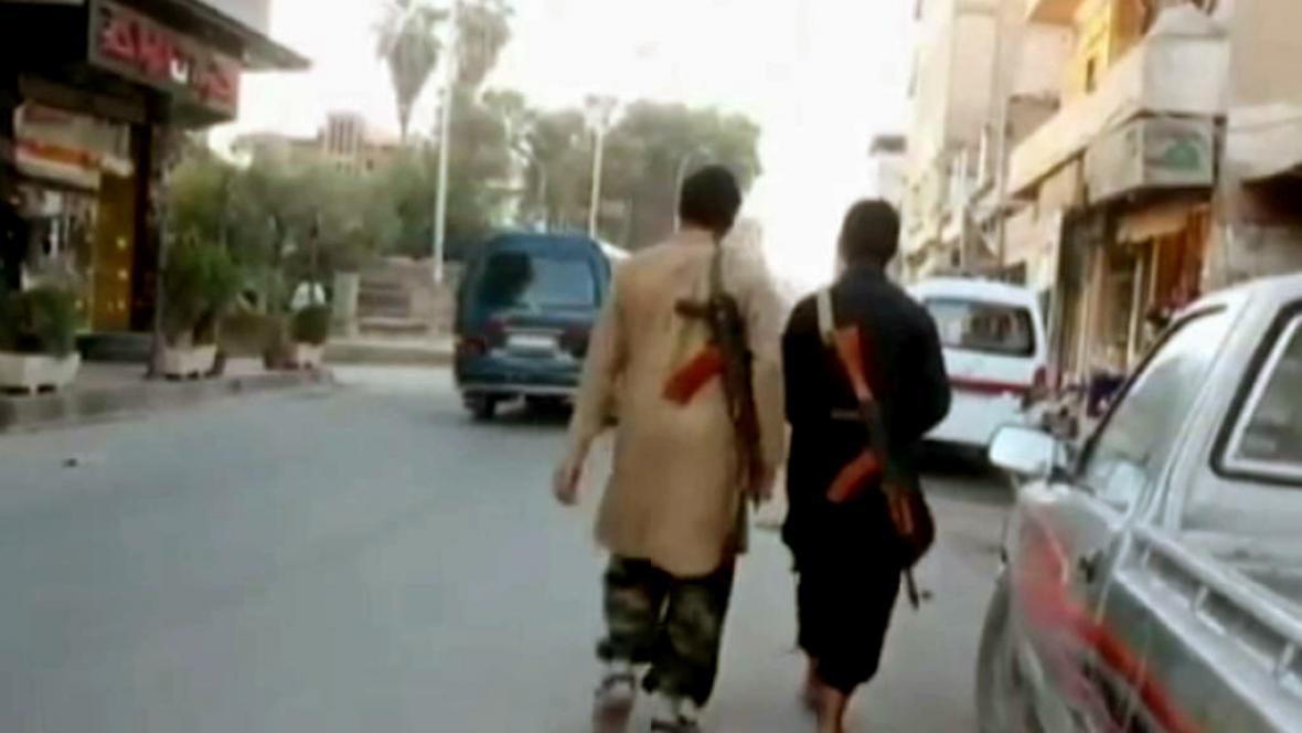 Příslušníci IS na dobytém území