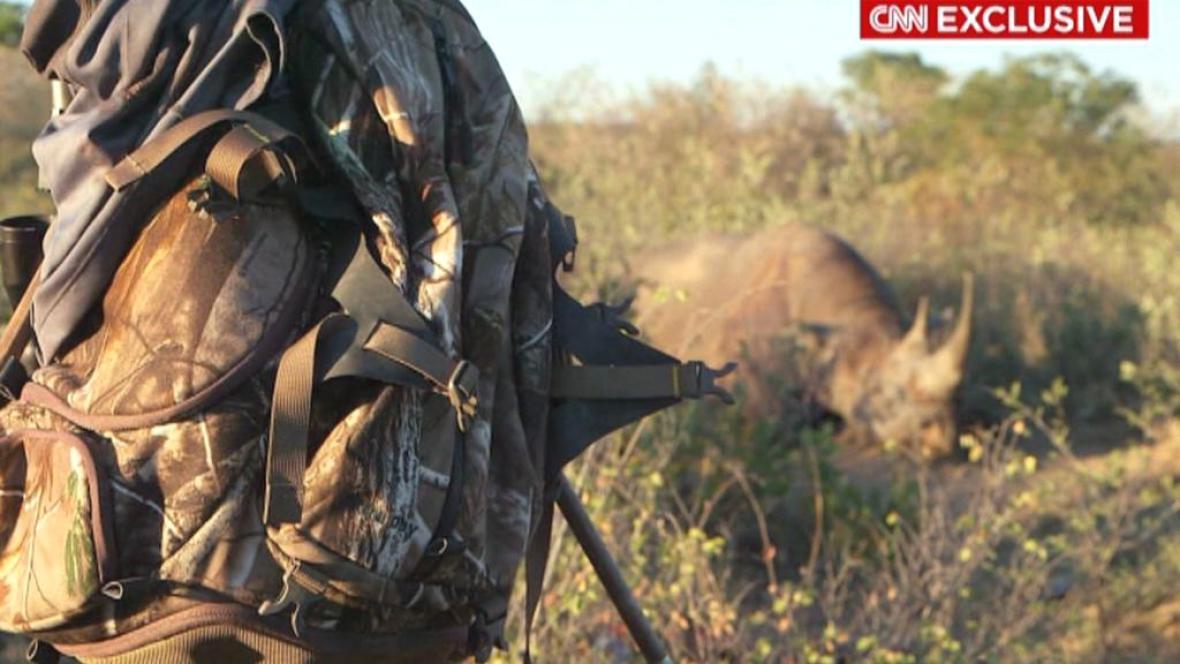 Zastřelený samec nosorožce černého