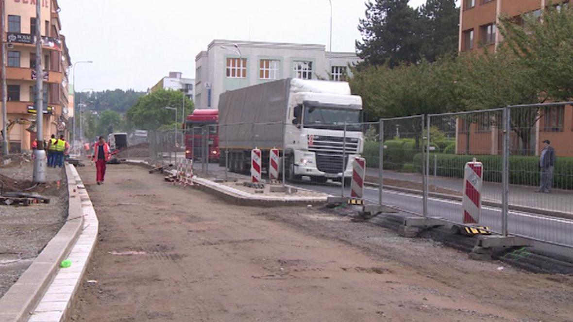 Oprava silnice v Náchodě