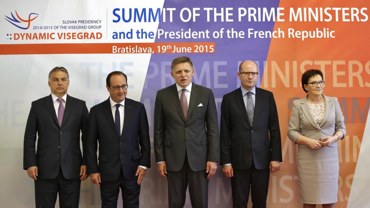 Bratislavská schůzka premiérů V4 s prezidentem Francoisem Hollandem