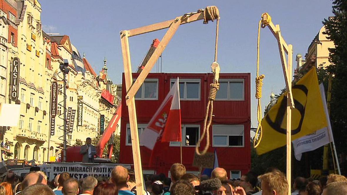 Šibenice na demonstraci proti islámu a migraci