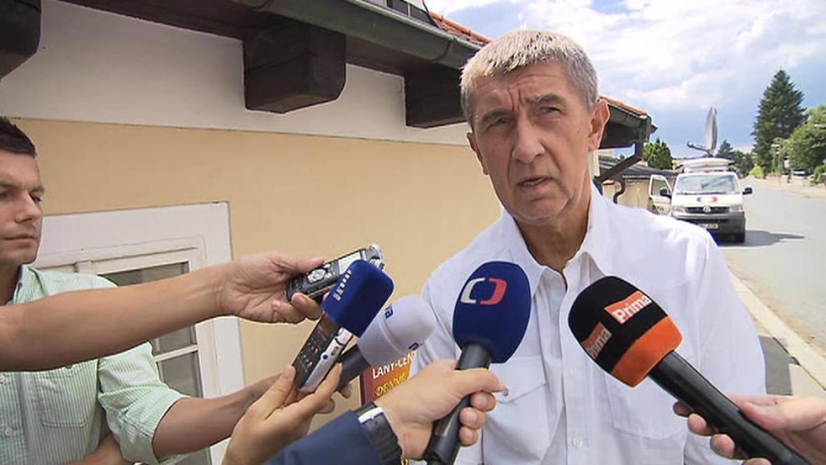 Ministr financí Andrej Babiš po jednání v Lánech