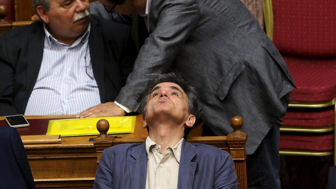 Řecký ministr financí  Euklidis Tsakalotos při klíčovém jednání parlamentu o reformách