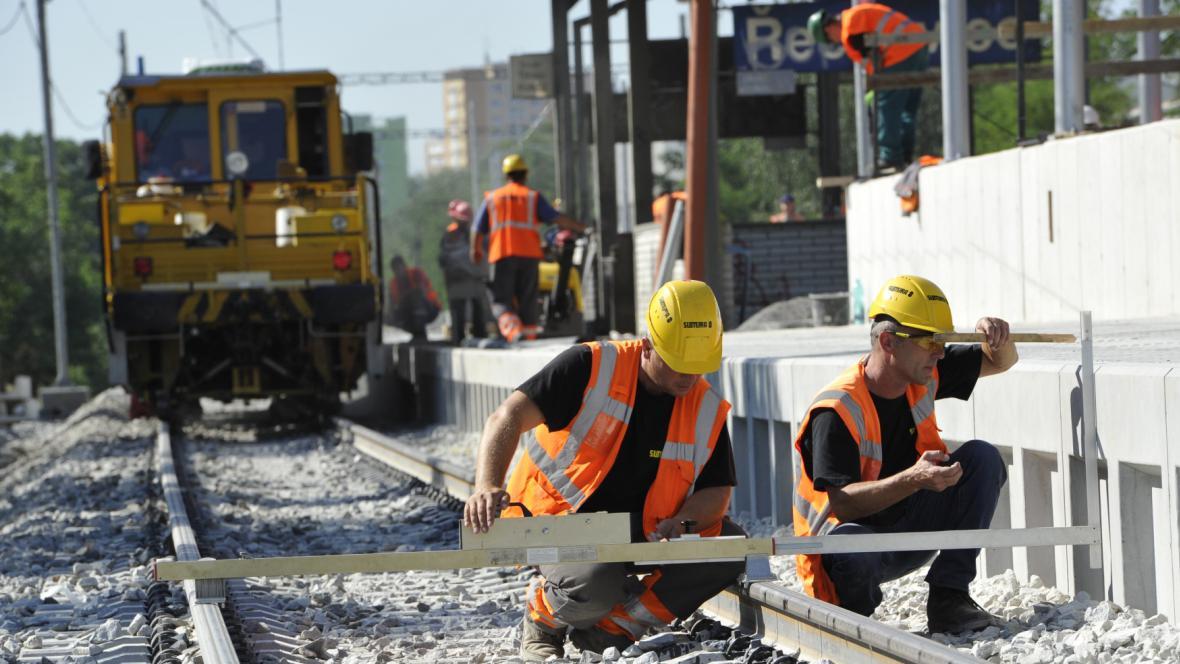 Stavebnictví táhnou železniční zakázky