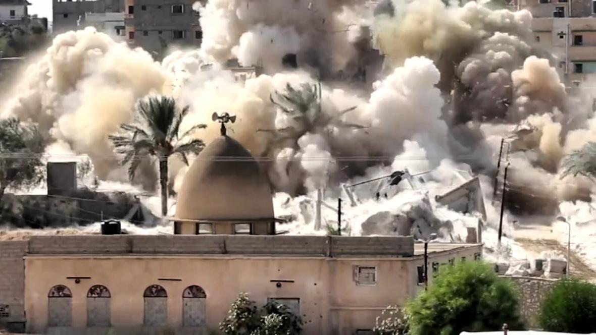Demolice domu ve městě Rafah