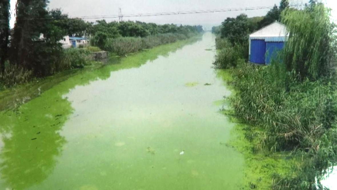 Jedním z největších ekologických problémů Číny je kontaminace vody
