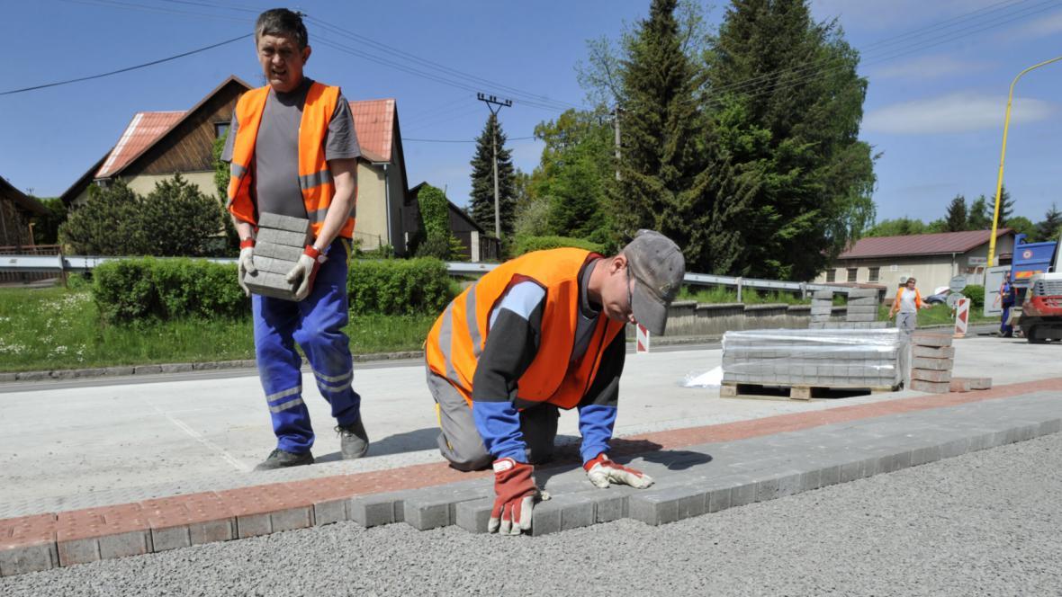 Práce na komunikace v Horní Lideči