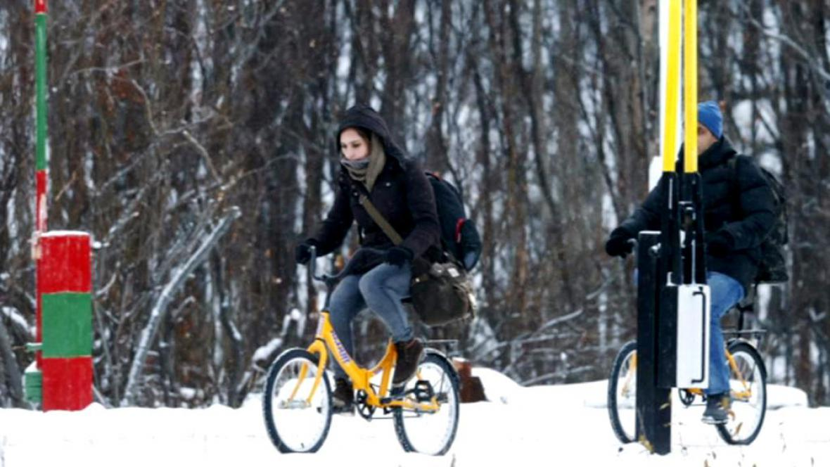 Uprchlíci překonávají norsko-ruskou hranici za polárním kruhem