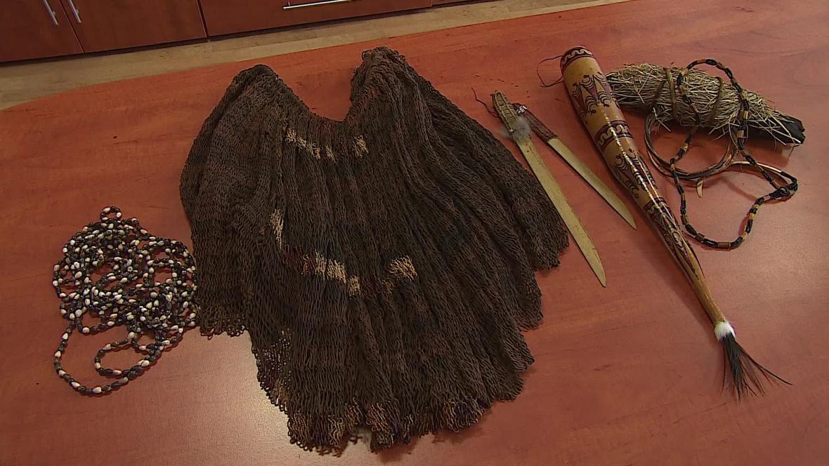 Za slovácký kroj dostal cestovatel typické oděvy kmene Dani