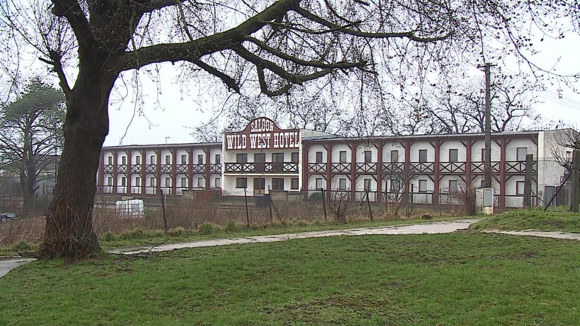 Ubytovnu v Dyjákovicích muselo opustit téměř 40 lidí