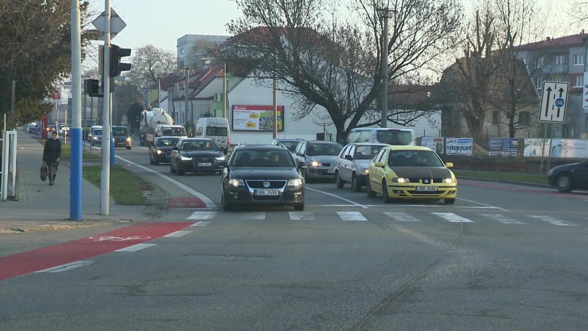 Břeclav bojuje v ranní špičce s hustou dopravou