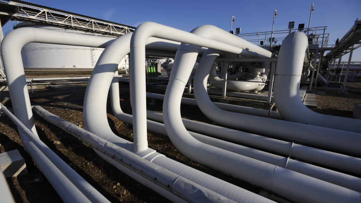 Centrální tankoviště ropy v Nelahozevsi