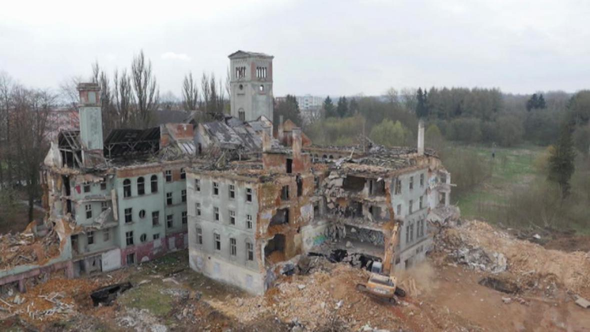 Demolice bývalého kláštera Milosrdných sester