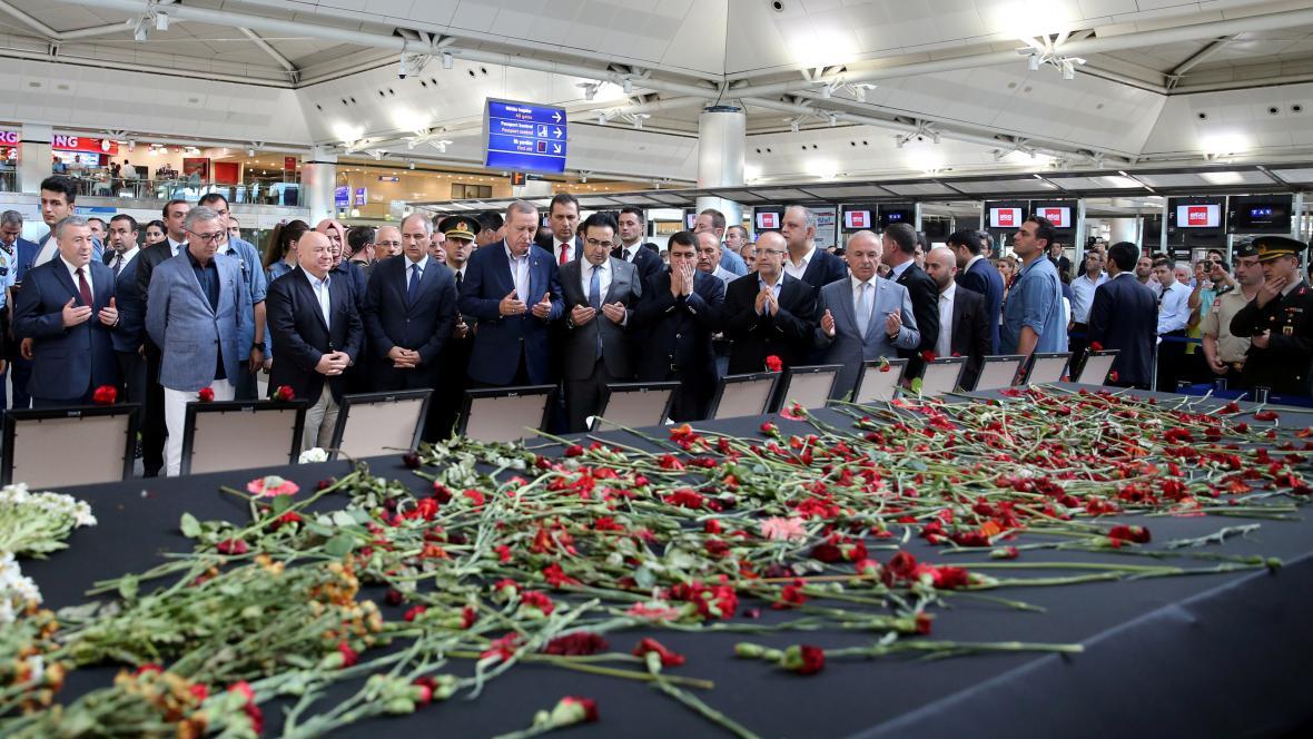 Turecký prezident Tayyip Erdogan navštívil místo útoku