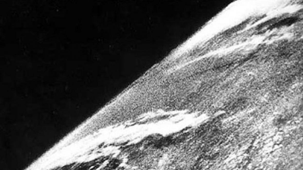 První fotografie Země z vesmíru