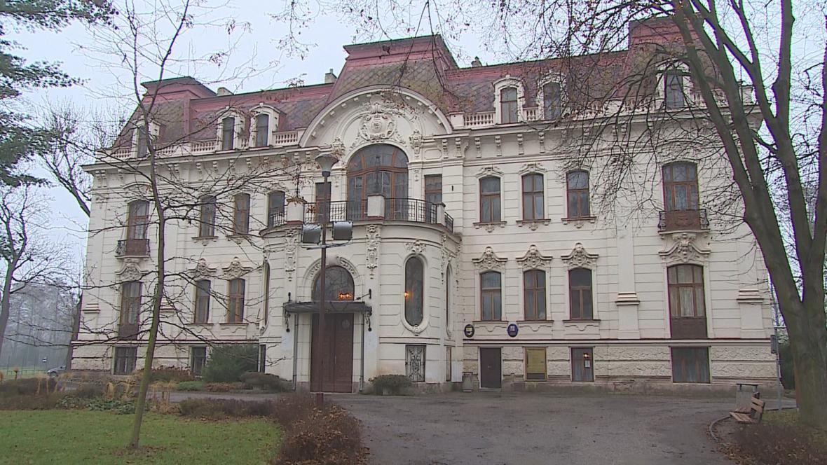 Radnice ve Svitávce sídlí v Löw-Beerově vile