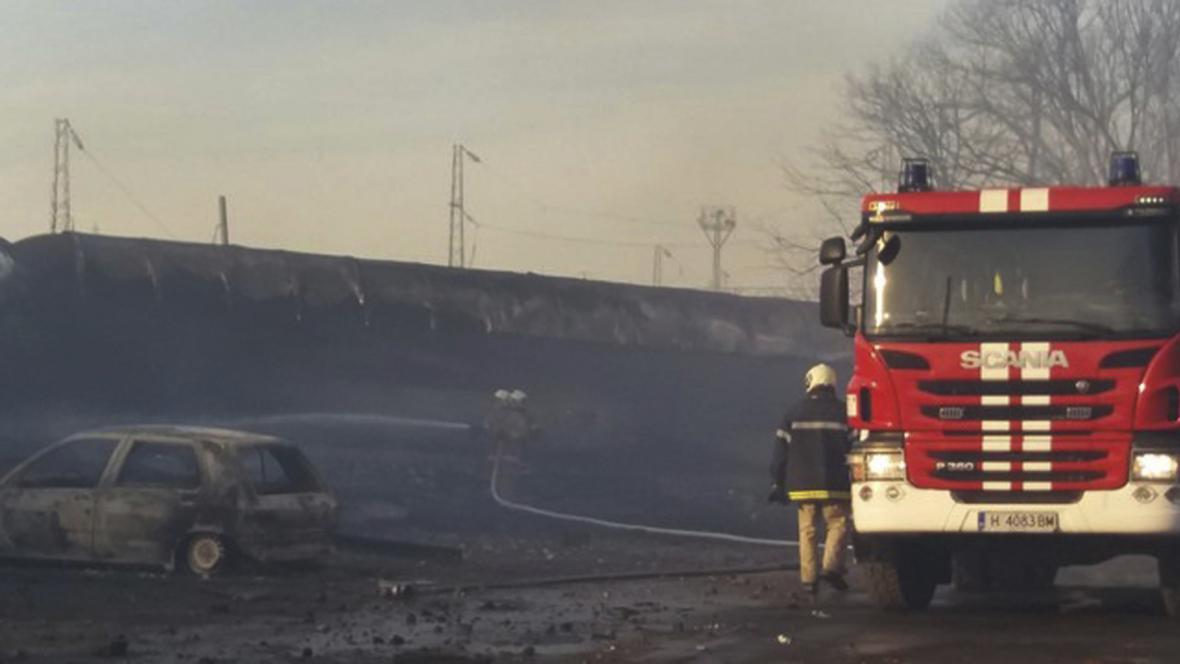 Požárnici na místě nehody