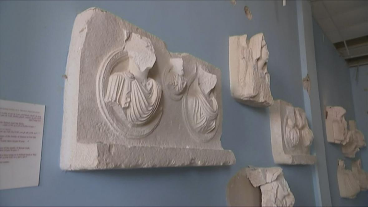 Poničené syrské památky