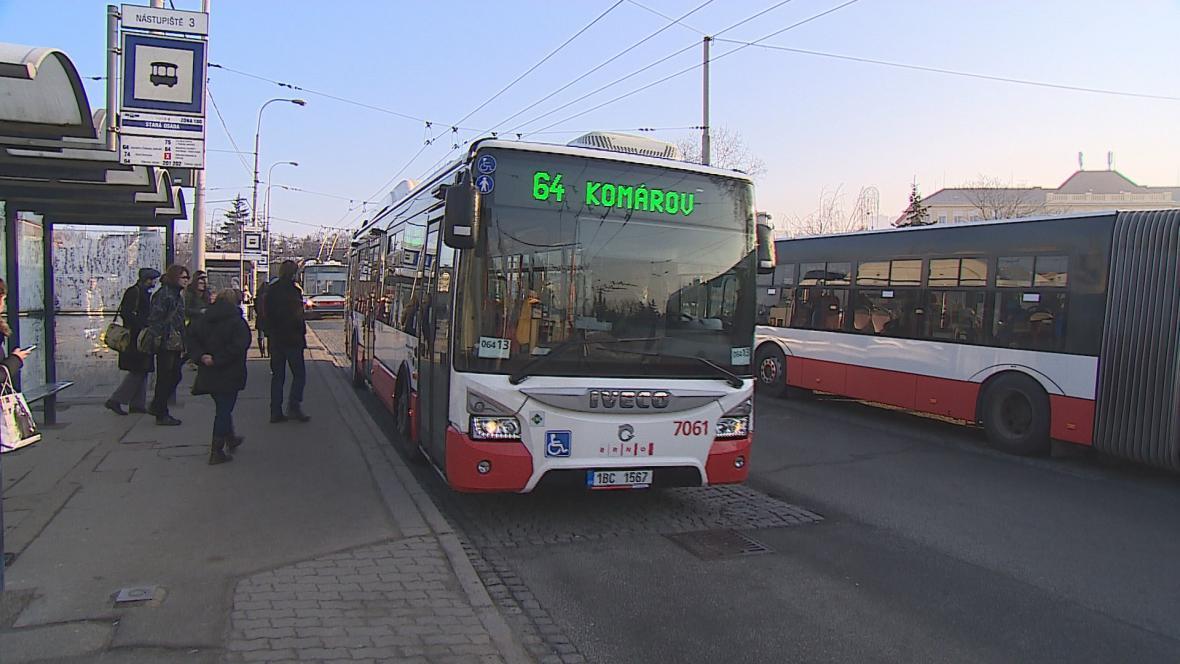 Někteří lidé v Brně jezdili bez jízdenky. Mysleli si, že je doprava zdarma