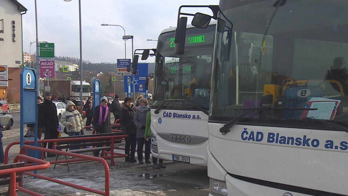 Jihomoravský kraj schválil peníze pro řidiče autobusů