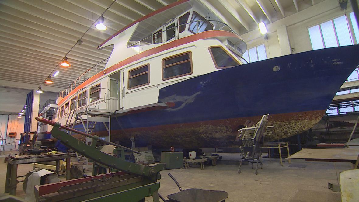 Loď v depu brněnského dopravního podniku