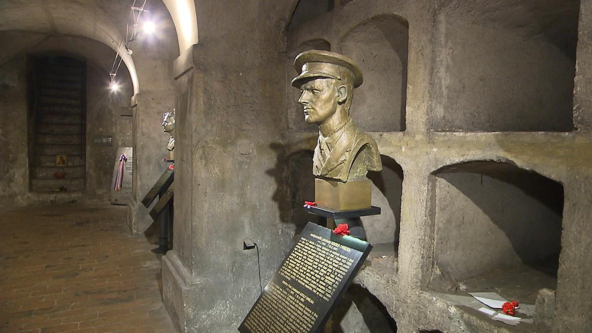Památník hrdinů heydrichiády