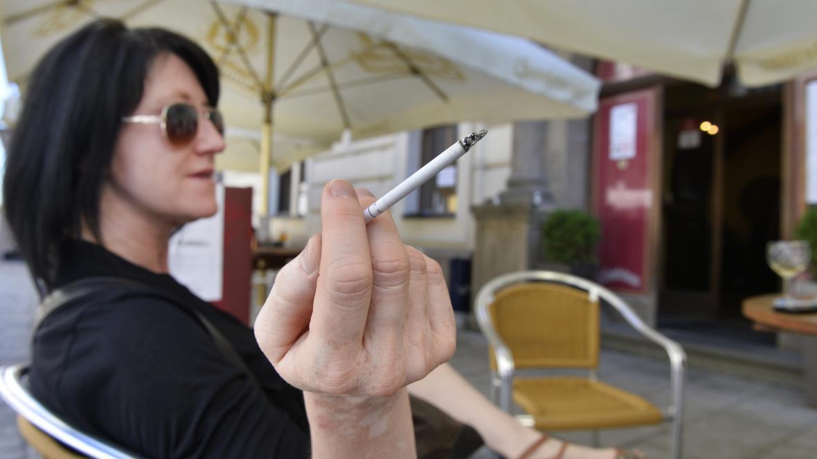 Kouření na zahrádce