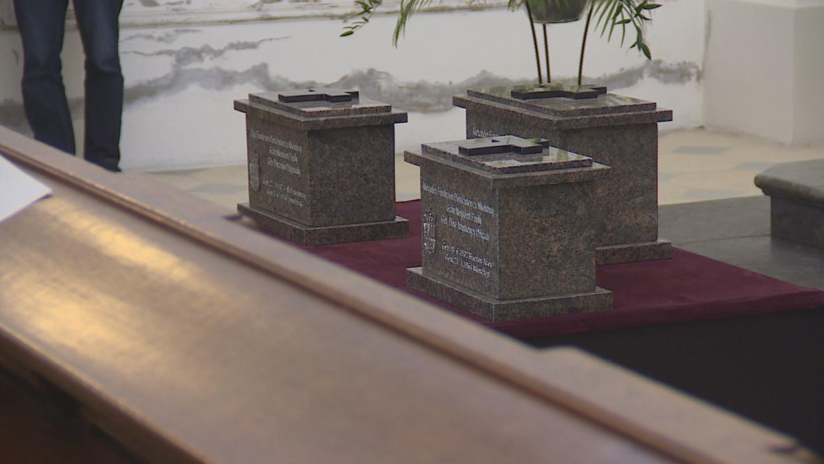 Do hrobky v Mikulově byly uloženy ostatky šlechticů