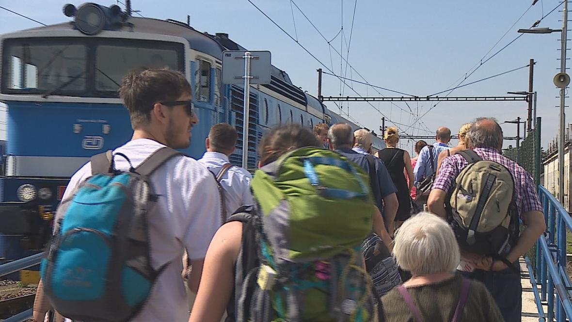 V Křižanově musejí lidé přestupovat na autobusy