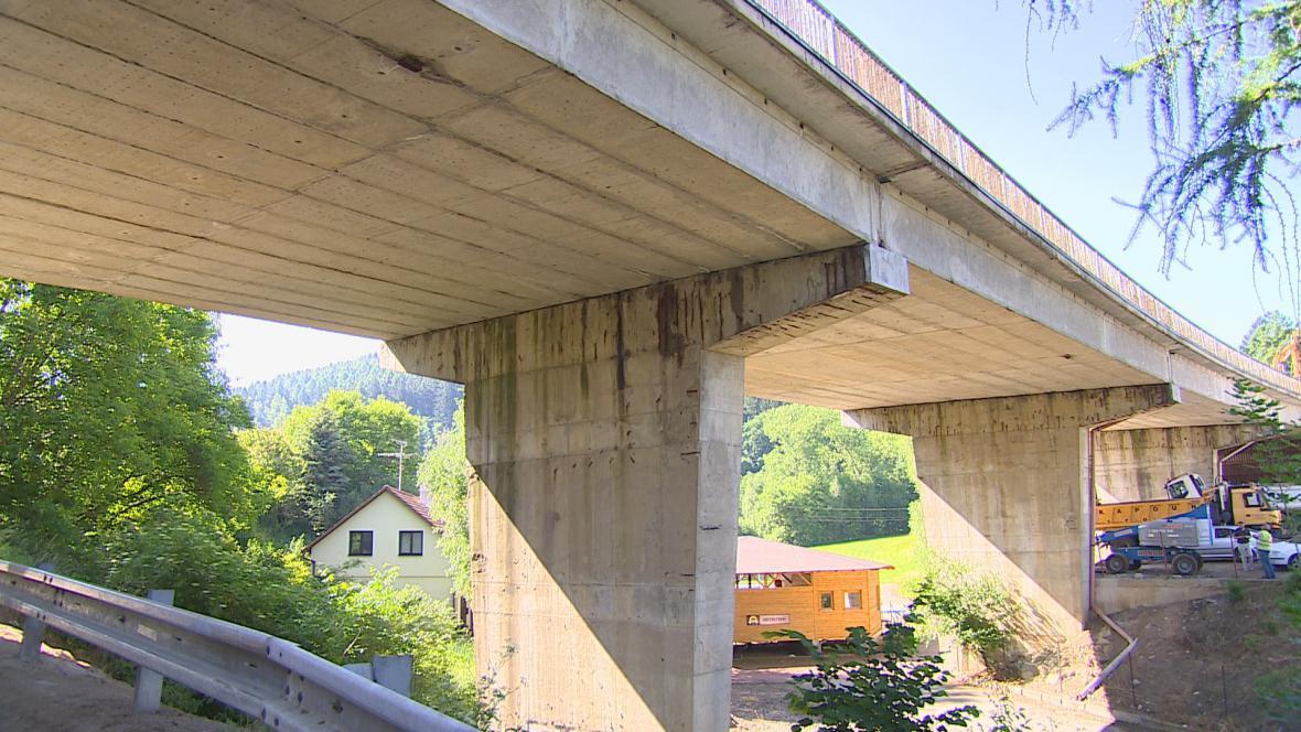 Most u Černé Hory je v havarijním stavu