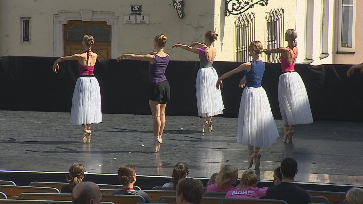 Zkouška baletu na Biskupském dvoře v Brně