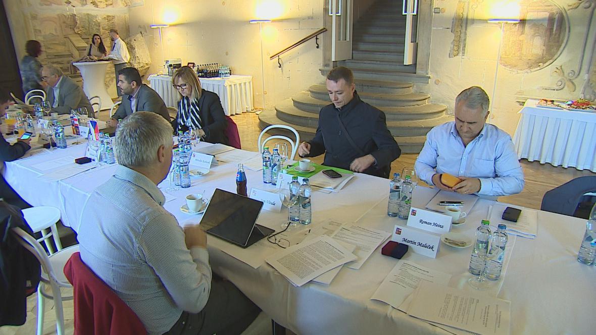 Krajští radní jednají o rozpočtu