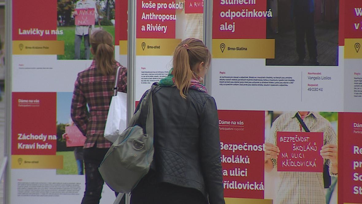 Projekty si mohou lidé prohlédnout i na výstavě na náměstí Svobody