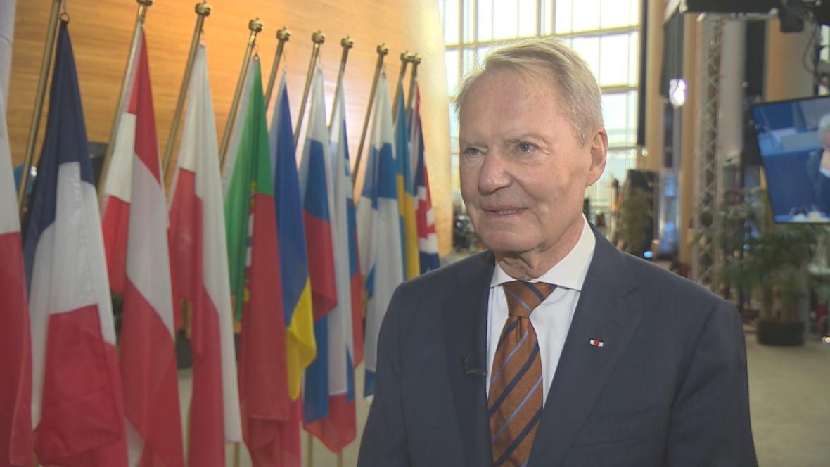 Hans-Olaf Henkel vyměnil byznysu za politiku před třemi roky