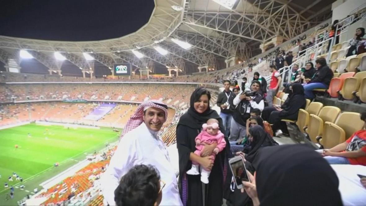 Ženy v Saudské Arábii mohly se svou rodinou navštívit fotbalový zápas