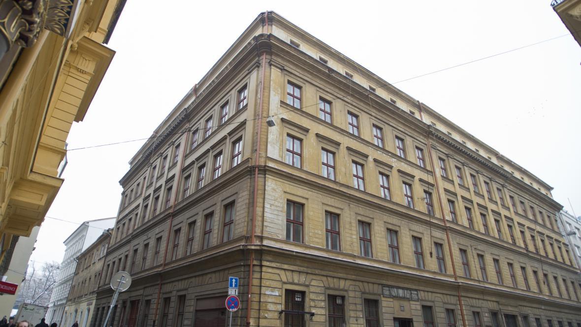 Dům v ulici U Půjčovny, za který majetkový úřad získal 355 milionů