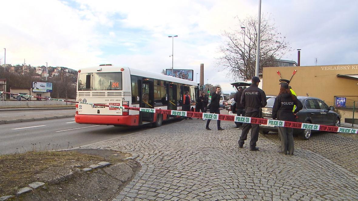 Střelba v autobusu MHD