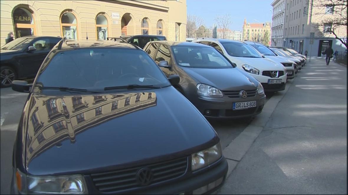 V centru Brna zaparkují jen rezidenti