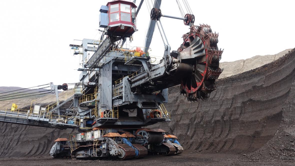 Důlní bagr na dole ČSA Most