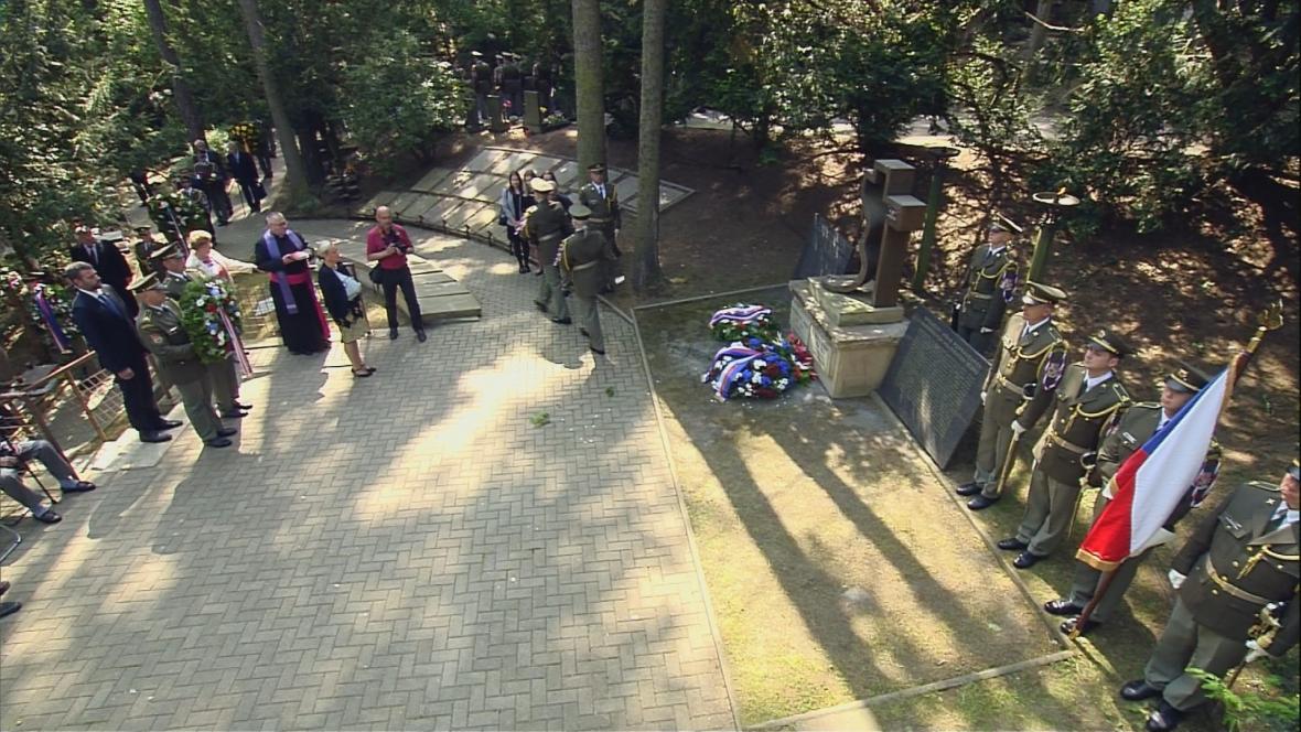 Pieta za oběti komunismu v Motole