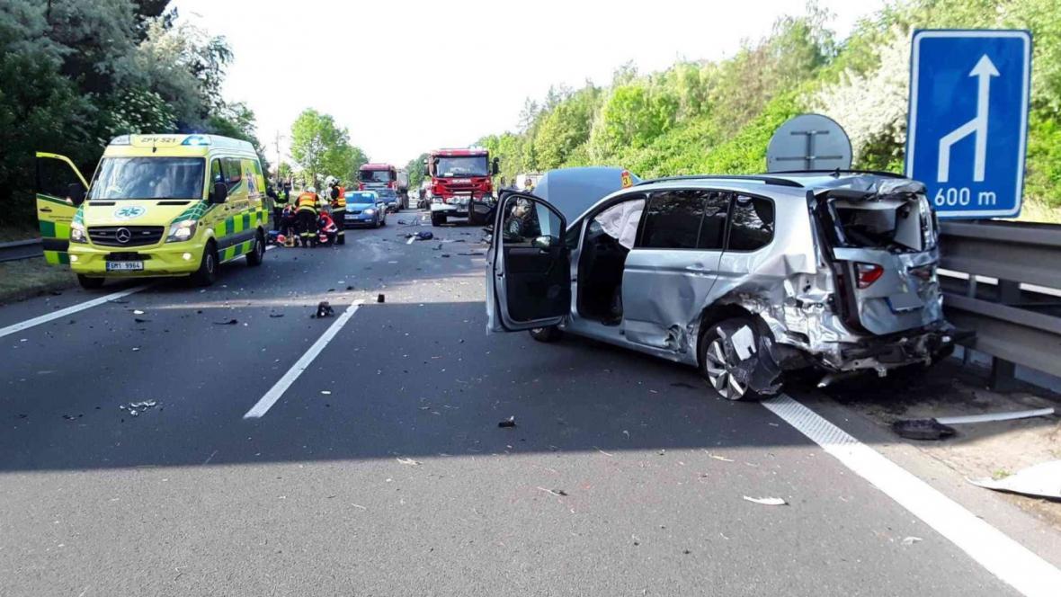 Nehoda tří vozidel na Prostějovsku