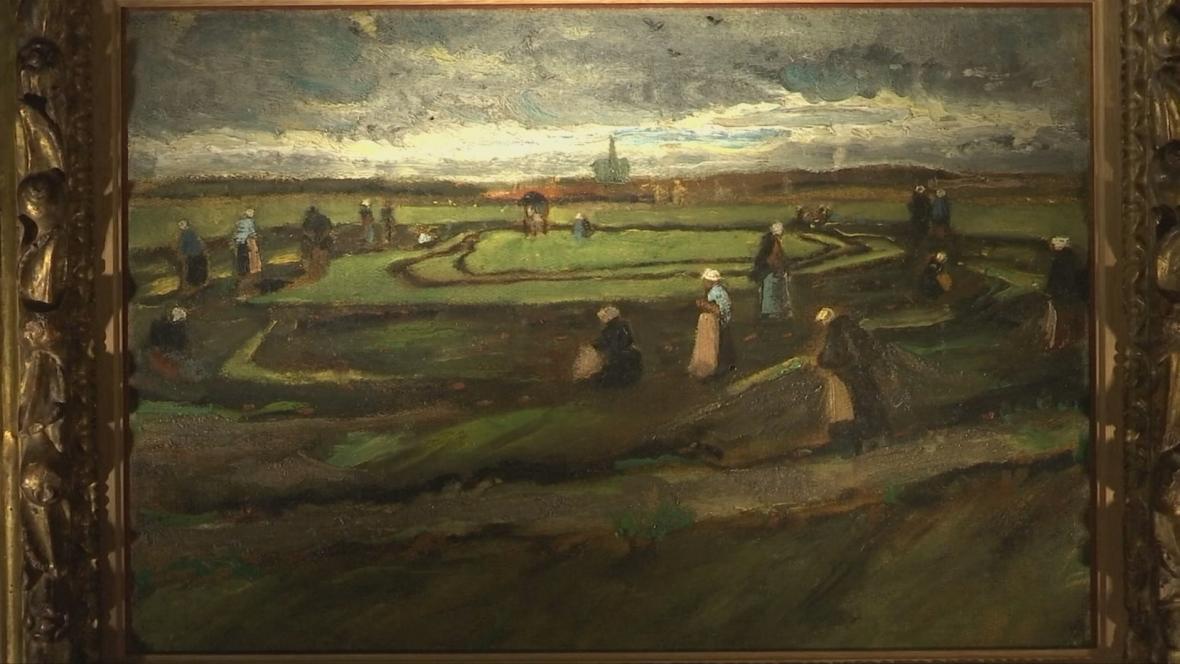 Van Goghův obraz Ženy opravující sítě v dunách