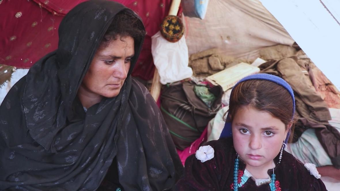 Mamareen a její šestiletá dcera Akilla, které utekly před suchem