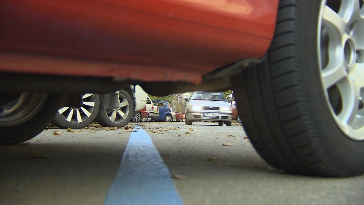 Modré zóny v Brně vznikly s rezidentním parkováním
