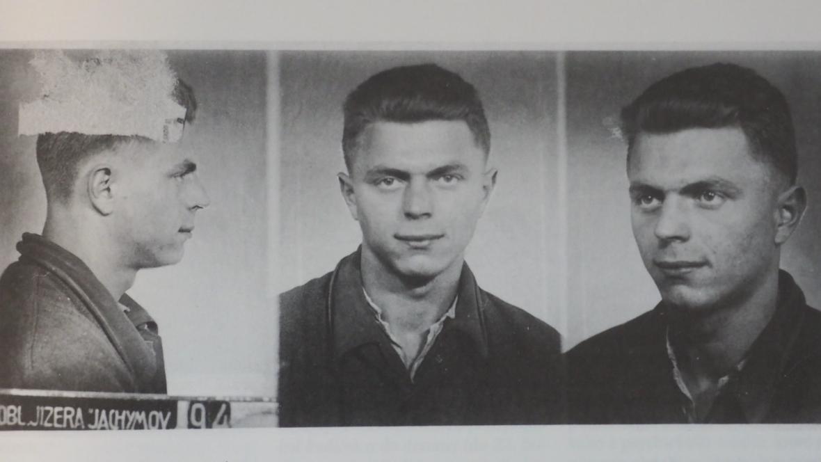 Anton Tomík na vězeňské fotografii