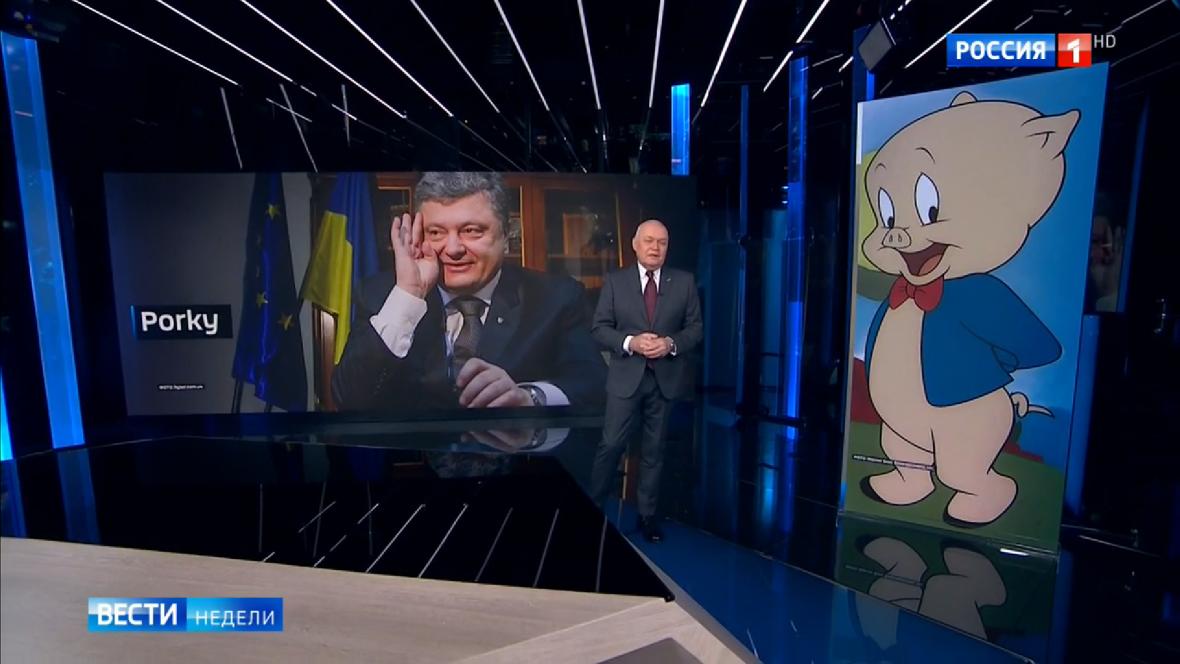 Dmitrij Kiseljov srovnává Petra Porošenka s prasátkem Porky
