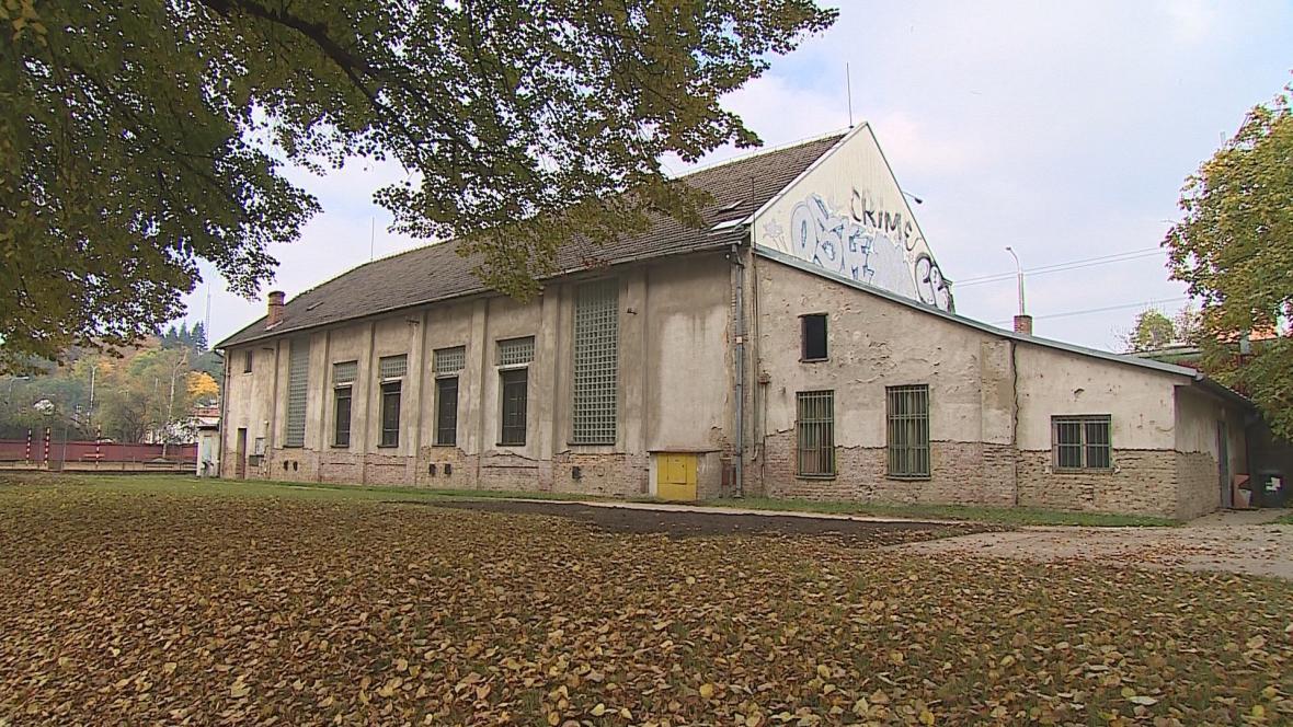 Stará budova sokolovny v Brně-Husovicích